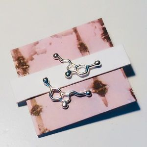 Jewelry - 50% off🕊•Euphoric•Serotonin Molecule Chain